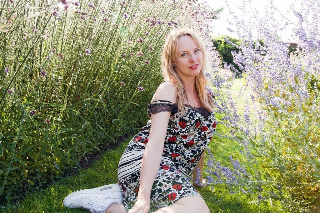 Claire_Etchell_NakedPRGirl_Kew_Gardens_London